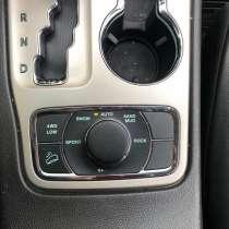 Продам автомобиль джип чероки 2012г бензин, в г.Минск