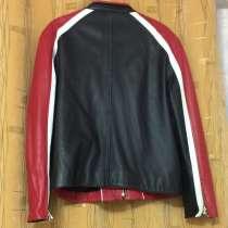 Продаю куртку кожанную 48-50 размер. Цена 10 000руб, в Казани