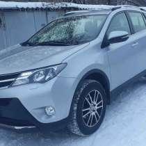 Продам Toyota RAV4, кроссовер, 2015 г, в Москве