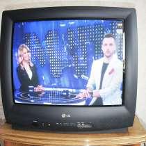 Телевизор + новый многофункциональный пульт, в Ростове-на-Дону