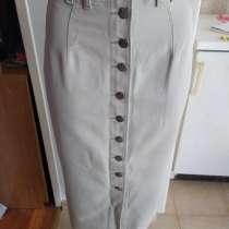 Новая джинсовая юбка на пуговицах серого цвета 26 размера, в Пятигорске