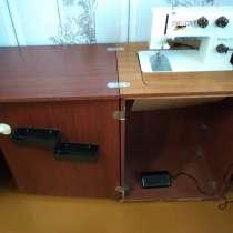 Продам кабинетную (с тумбой) электрическую швейную машинку, в Бахчисарае