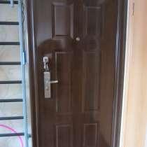 Металлическая входная дверь. Полотно 2050мм на 860мм. Новая, в Челябинске