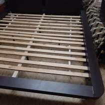 Новая большая двухспальная кровать,матрас,две прикроватные т, в г.Шымкент