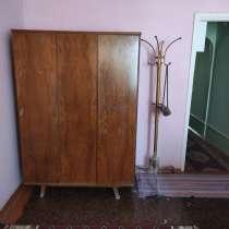 Продается 1 комнатная квартира на тожмахале,5 эта. на 3 этаж, в г.Бухара
