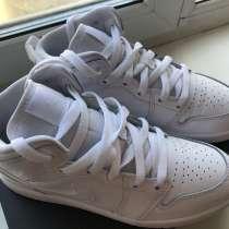 Подростковый кроссовки Jordan Air Jordan 1 Mid, в Сургуте