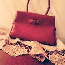 Красная сумка, в г.Тбилиси