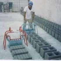 Продаю пескоблочный станок ! В комплекте матрица, мешалка, в г.Бишкек