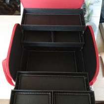 Продам сумку-чемодан для мастеров маникюра и касметологов, в Москве