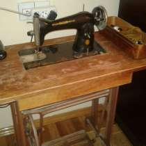 Машинка швейная антикварная (СССР), в г.Баку