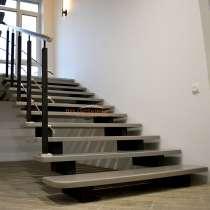 Лестницы на второй этаж в Ханты-Мансийске, в Ханты-Мансийске