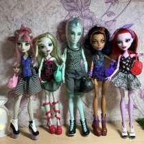 Продаю набор кукол, в Челябинске