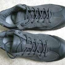 Продаю новые кроссовки, в Иркутске