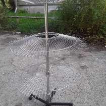 Продам торговый стеллаж круглый металлический никелированн, в г.Усть-Каменогорск