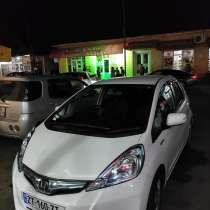 Белая Honda Fit II 2013, в г.Тбилиси
