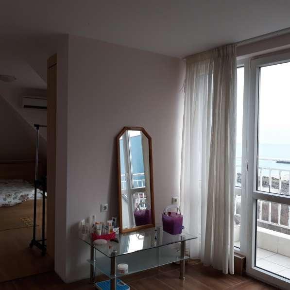 Квартира в Поморие на первой линии моря, вид на море в фото 3