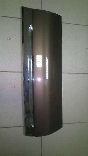 Накладка на заднюю дверь vw touareg 11- lh