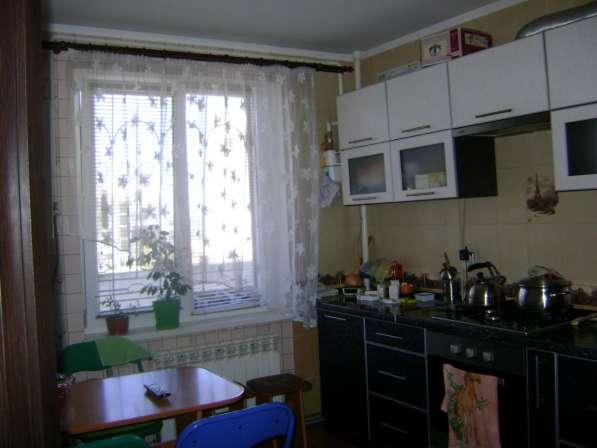 Продам 2 комнатную на Кесаева 10, АГВ, ремонт