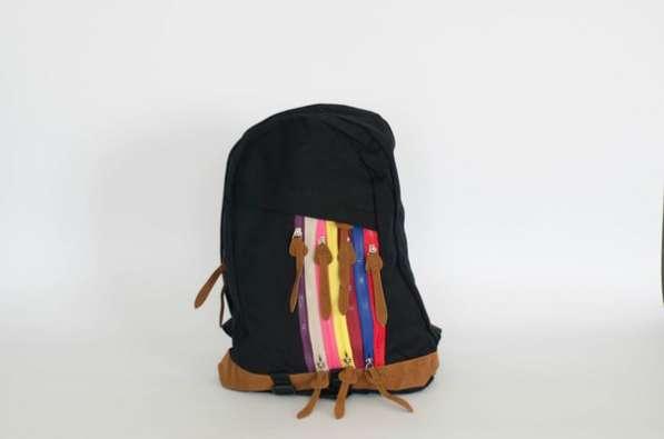 Рюкзак черный коричневый с цветными молниями