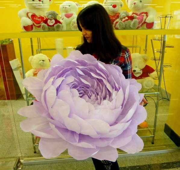 Праздничный декор в аренду, на заказ. Ростовые большие цветы в Сочи фото 4