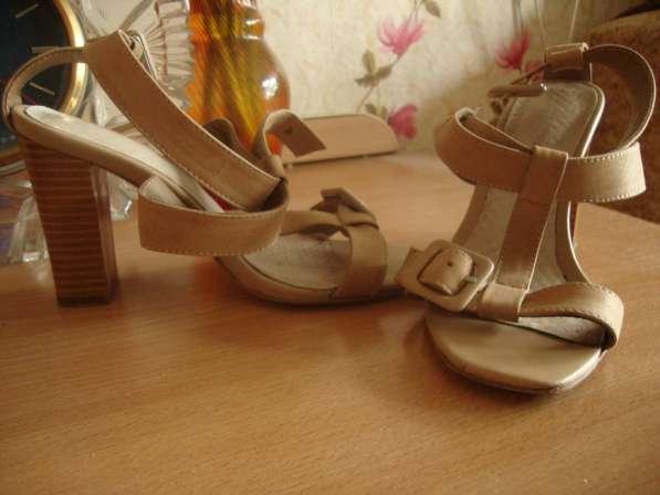 Продажа женской одежды размер 44-46 и обуви 35-36 размера в Пензе фото 8