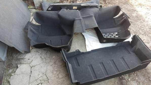 Дл. я мерседес 210 е класс до 2001 года ОБИВКА багажника