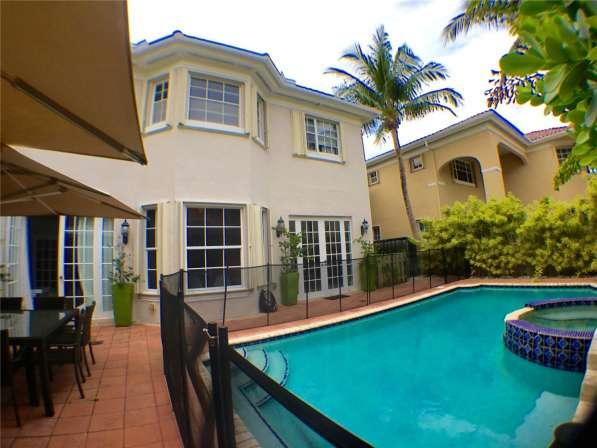 Современный дом в Голден-Бич, Флорида в фото 4