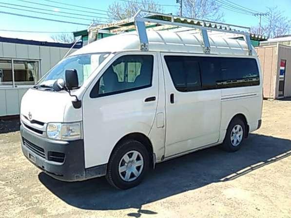TOYOTA HIACE VAN грузопассажирский микроавтобус