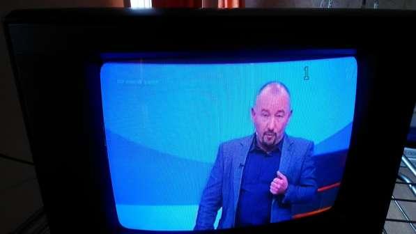 Телевизор 14дюймов JVC (36см, цветной, кинескоп) в Санкт-Петербурге фото 4