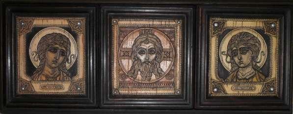 Резные иконы и декоративные панно