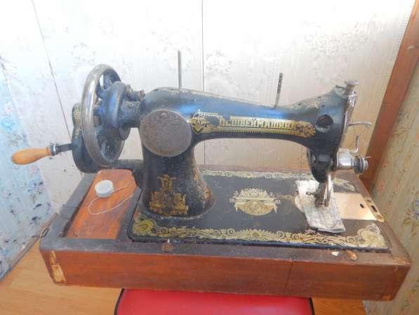 Антикварная швейная машинка типа в Москве