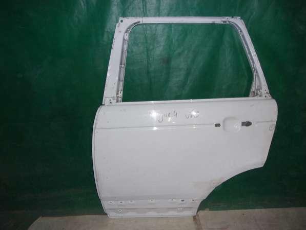 Задняя левая дверь на Range Rover Sport l405