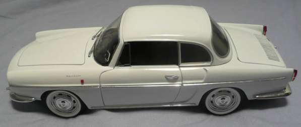Renault Caravelle 1:18