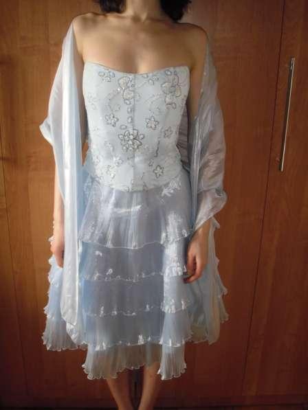Продам выпускное платье размер 44-46