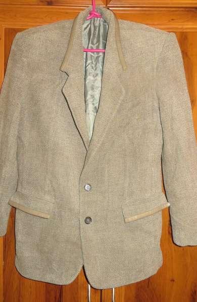 мужские пиджаки 44 и 48-50, жилет, рубашка в Невинномысске