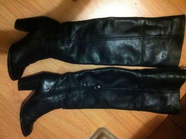Продам чёрные кожаные сапоги