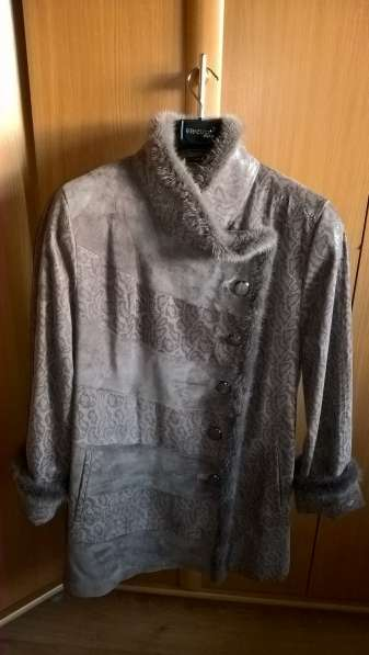 Куртка кожаная жен., 4XL., серого цв.;