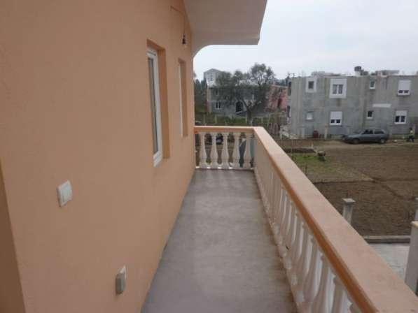Двухэтажный дом в городе Бар. Черногория. Без комиссии в фото 5