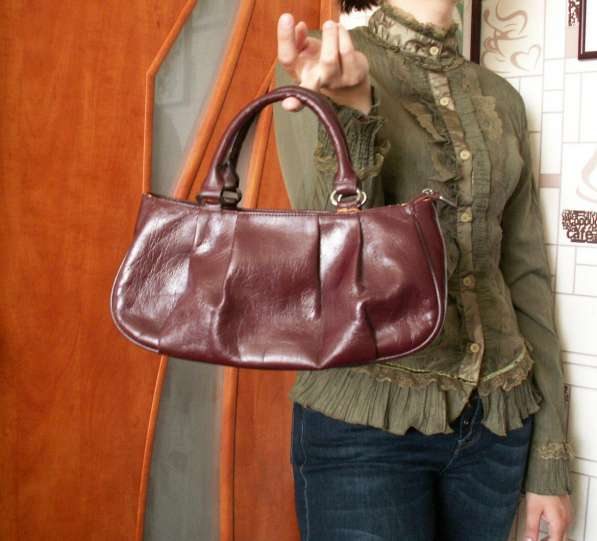 Женская сумочка в Сургуте