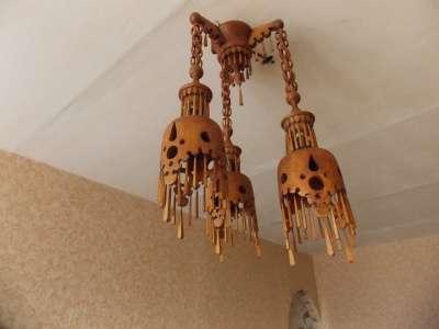 Деревянные светильники, зеркала, подстав