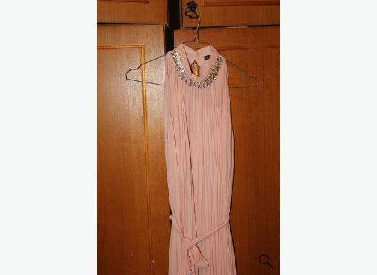 Продаю персиковое платье размер xs в Нижнем Новгороде фото 3