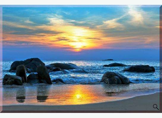 Картина на холсте: Нежно-голубой рассвет на побережье