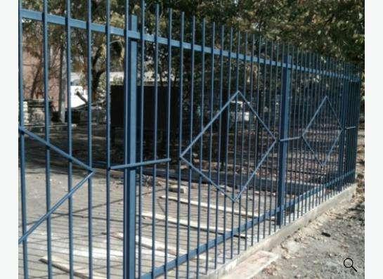 Заборы из профнастила, сетки Рабица, решетчатые. в Краснодаре фото 5