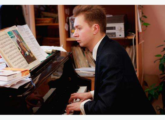 Педагог игры на фортепиано