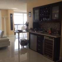 Квартира в Авентуре с видами на океан и залив, в г.Aventura