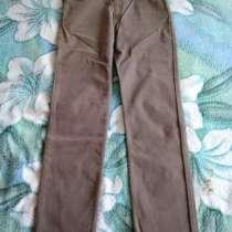 Продаю новые фирменные мужские джинсы (микровельвет), в г.Темиртау