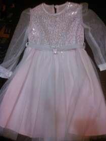 Продам платье на девочку 4 - 5 лет, в Москве