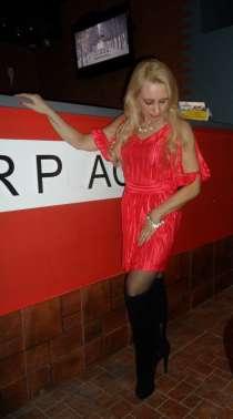 Платье из красного плиссе 44 р, в Кемерове