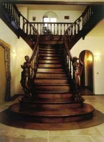 Лестница из массива, в Майкопе