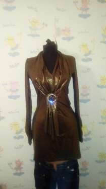 Блуза с брошкой, в Санкт-Петербурге